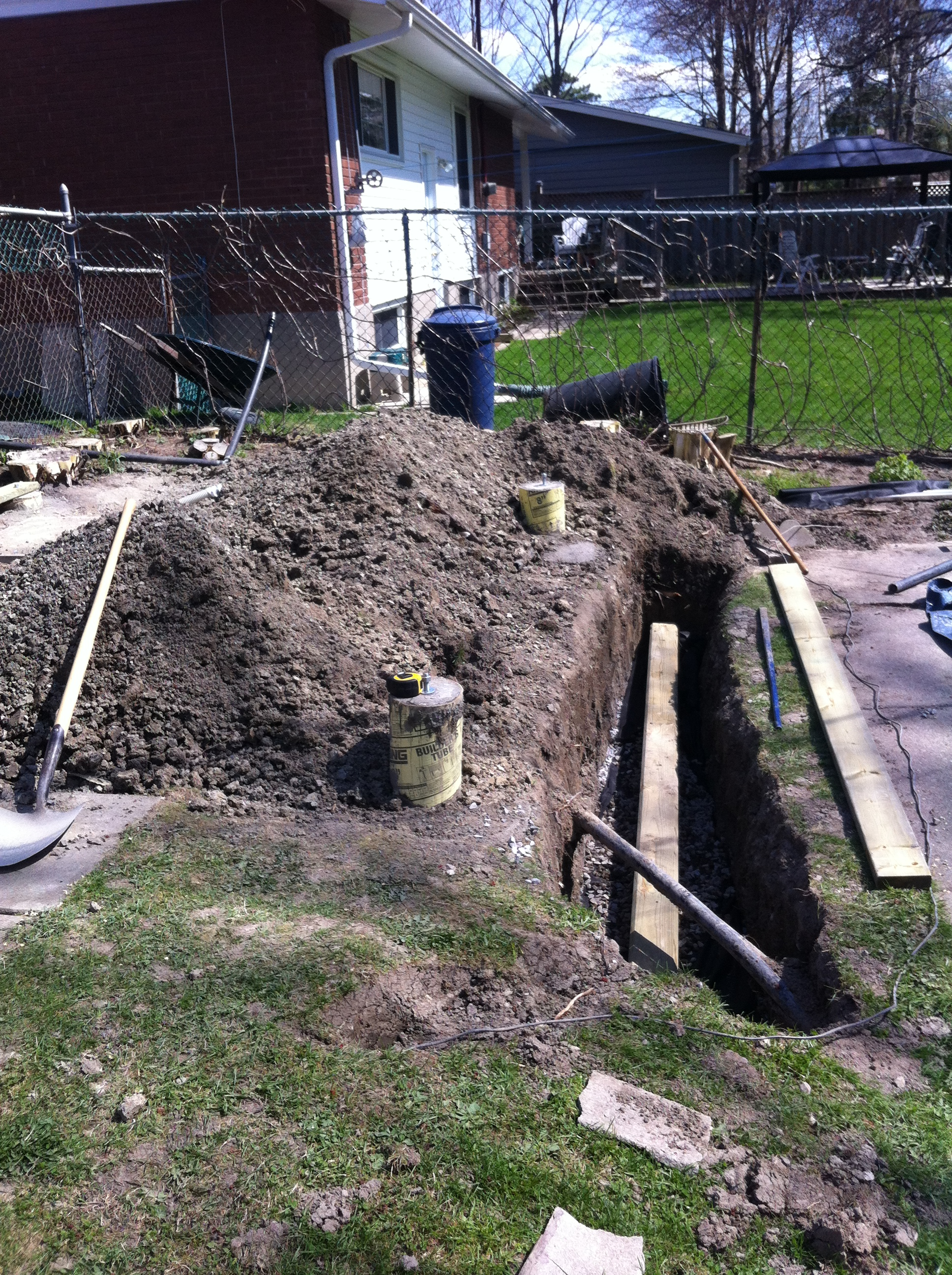 how to build footings for a retaining wall